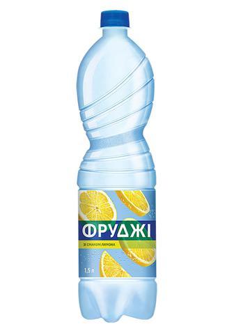 НАПІЙ «Фруджі» зі смаком лимона, зі смаком апельсина та грейпфрута, 1,5 л КАРПАТСЬКА ДЖЕРЕЛЬНА