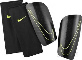 Щитки футбольні Nike Mercurial Lite р. M чорний